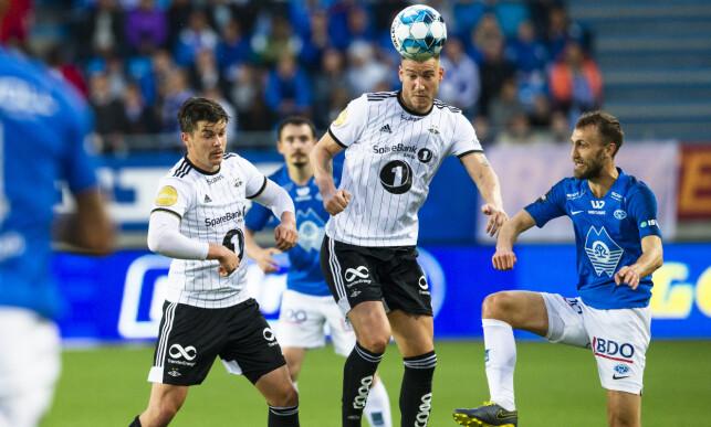 SISTE OPPTREDEN: 0-3-tapet for Molde på Aker stadion var etter alle solemerker Bendtners siste opptreden i Rosenborg. Her i duell med Magnus Wolff Eikrem. Foto: NTB/scanpix