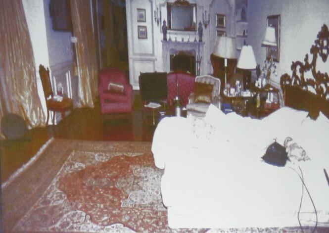 <strong>BILDE VIST I RETTEN:</strong> Det finnes ulike bilder av soverommet hvor Michael Jackson gikk bort. Det er ukjent om dette er tatt en tid før eller etter at han døde. Foto: NTB Scanpix