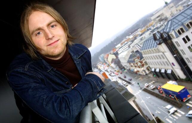 BYLARM-HYPE: En 21 år gammel Askil Holm under Bylarm i Kristiansand i 2002, der han var blant bransjens favoritter. Foto: Anders Grønneberg / Dagbladet
