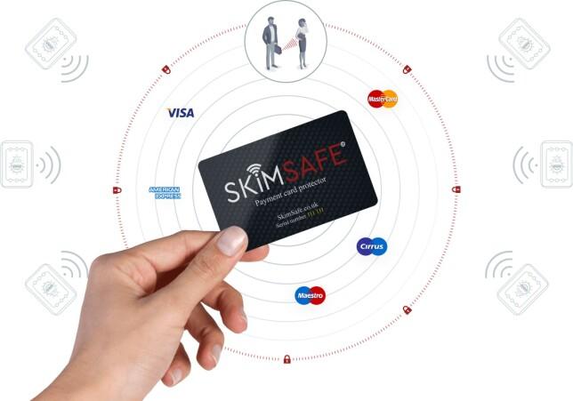 SVINDELSIKKERT: Med SkimSafe-kortet i lomma får ikke svindlere tilgang til den vitale informasjonen din. Så kan du bare nyte ferien - og ikke bekymre deg for å sjekke kontoutskriftene når du kommer hjem.