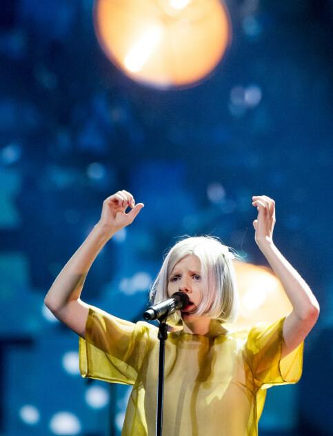 ZVEZDE: Aurora is watching the scene around the world. Here at Telenor Arena in Oslo. Photo: NTB Scanpix