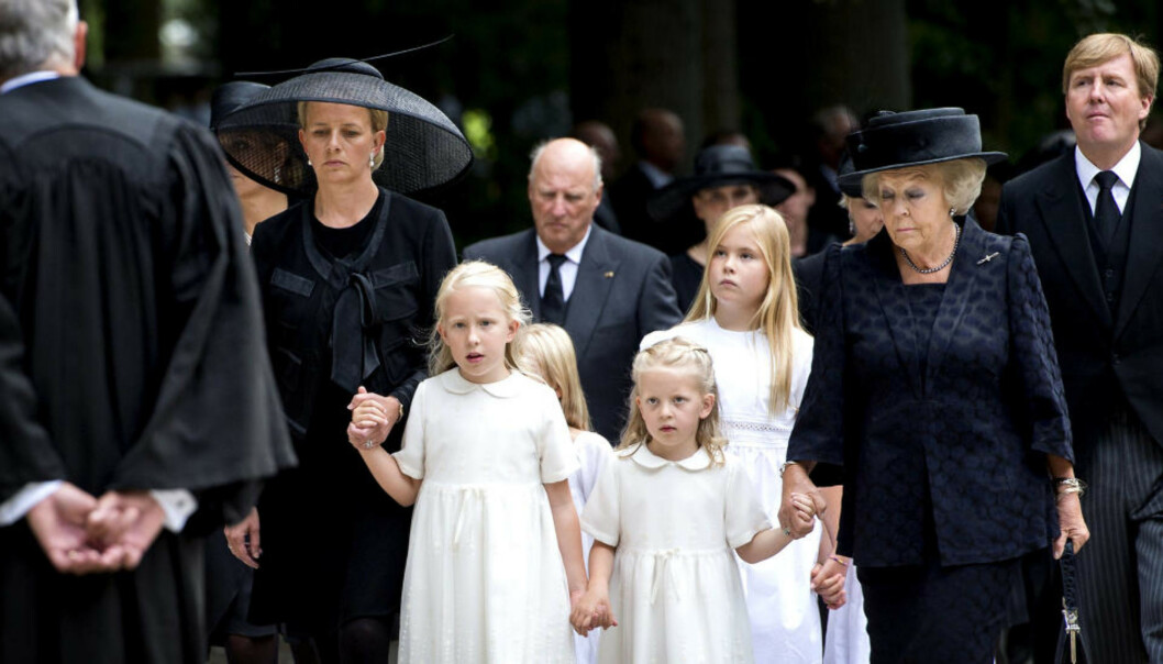 <strong>TOK FARVEL:</strong> Kong Harald var til stede under begravelsen til Prins Friso i Belgia. Foto: NTB Scanpix