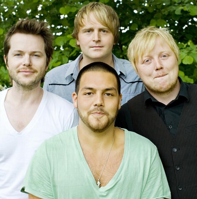 POPULÆRE: Alejandro Fuentes avbildet sammen med Espen Lind, Askil Holm og Kurt Nilsen i 2009. Foto: Foto: Sara Johannessen / NTB scanpix