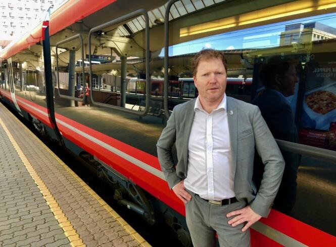 USIKKERHET: Sigbjørn Gjelsvik mener det er en direkte konsekvens av regjeringens jernbanereform at mange ansatte havner i tunge omstillingsprosesser med mye usikkerhet. Foto: Gunnar Ringheim / Dagbladet