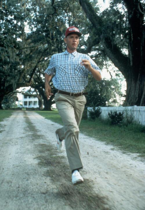 «RUN, FORREST, RUN»: Tom i sin aller mest kjente rolle som den elskelige Forrest Gump i den sjarmerende filmen fra 1994
