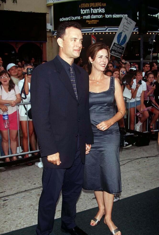 <strong>SAVING PRIVATE RYAN:</strong> Her er Tom Hanks og kona Rita på premiere i 1998. Foto: NTB Scanpix