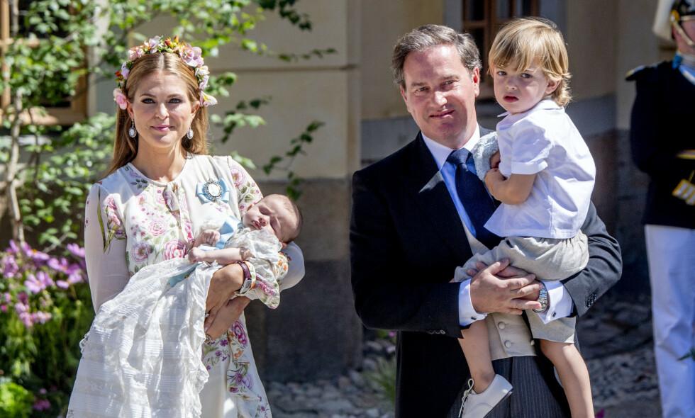 GLOBETROTTERE: Prinsesse Madeleine og ektemannen Chris O'Neill har vært bosatt i en rekke ulike land de siste årene. I fjor flyttet familien til Florida, men nå risikerer de angivelig å miste villaen de bor i. Foto: NTB Scanpix
