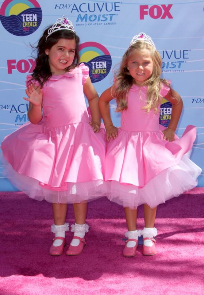 YNDET DUO: Sophia Grace og kusinen Rosie fikk stjernestatus over natten. Her avbildet på den rosa løperen i 2012. Foto: NTB Scanpix