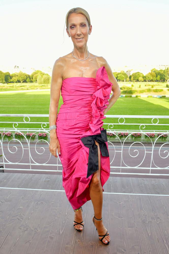 NY STIL?: Céline Dion har virkelig valgt andre antrekk en vi vanligvis ser henne i de siste dagene. Foto: NTB Scanpix