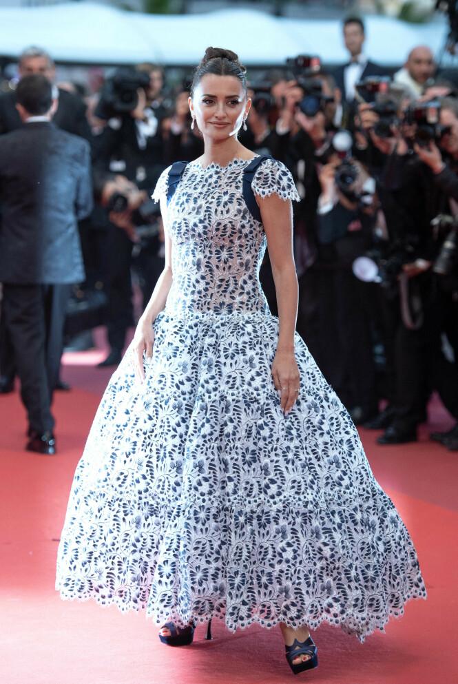 SKJØNNHETSPRESS: I intervjuet forteller Penelope Cruz at hun ikke tok vare på seg selv etter sin første fødsel. Her er hun avbildet under Cannes Film Festival tidligere i år. Foto: NTB scanpix