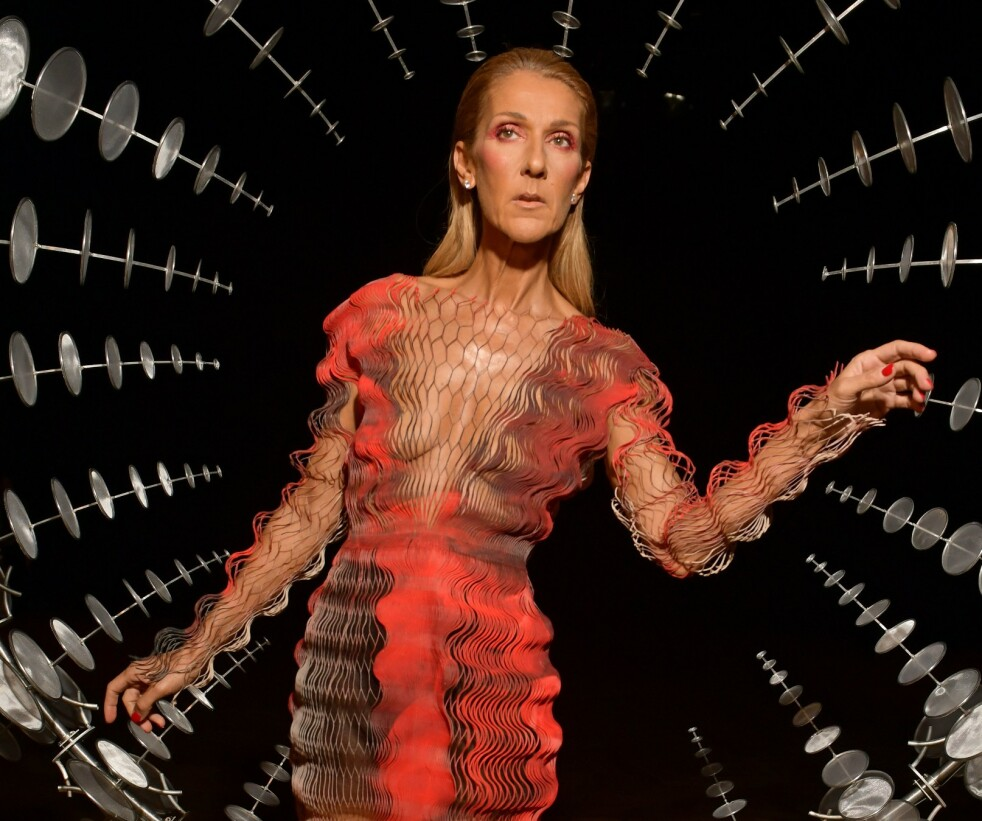 CELINE DION: Sangstjernen er på plass i Paris for haute couture-moteuken. Foto: Scanpix