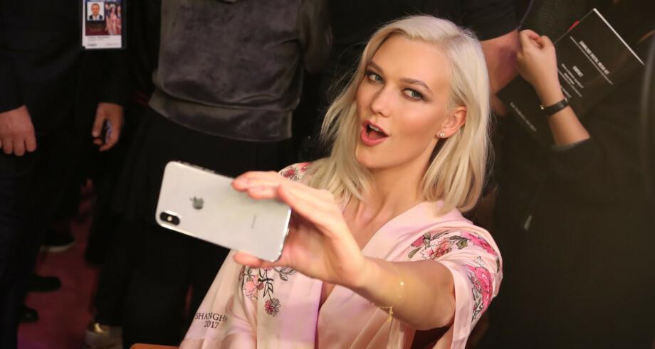 MODELL: Karlie Kloss under et show fra 2017. I et nylig intervju forteller stjernen nå hvorfor hun sluttet som modell. Foto: NTB Scanpix