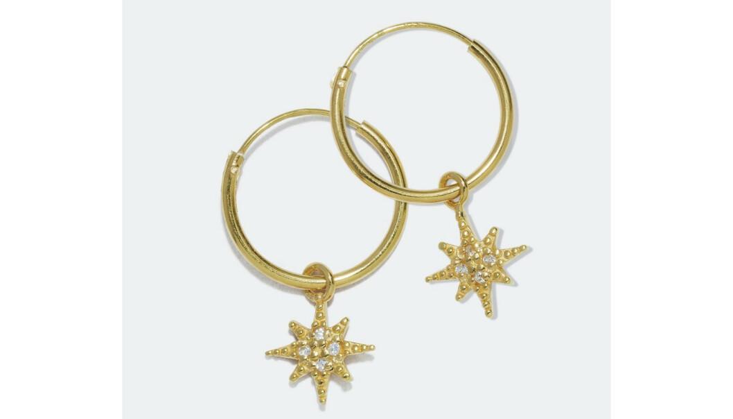 Øreringer med stjerner (kr 140, Glitter). FOTO: Produsenten