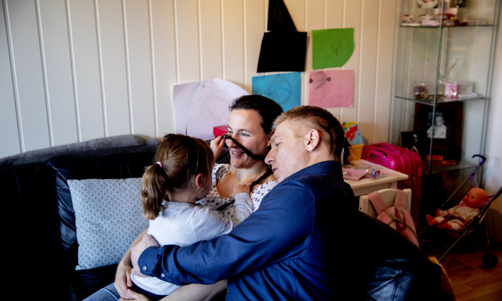LANG KAMP: Etter tre års kamp fikk Ken og Vibeke endelig datteren tilbake. Foto: Siv Johanne Seglem