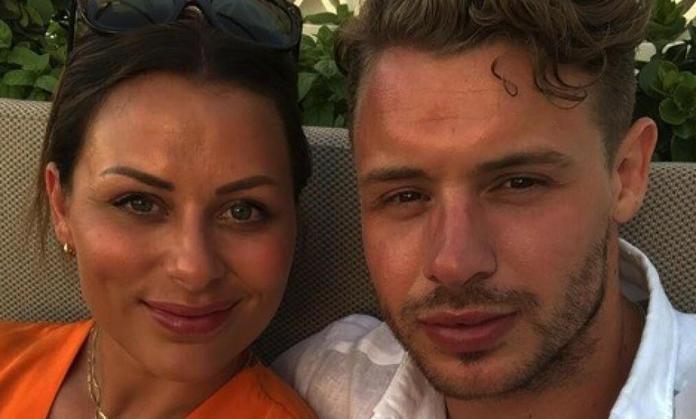 INSTAGRAM-KJÆRLIGHET: I mai ble det kjent at Martin Ylven (30) og Nora Mørk (28) hadde funnet kjærligheten. Nå nyter de livet på ferie sammen i Hellas. Foto: Martin Ylven / Instagram