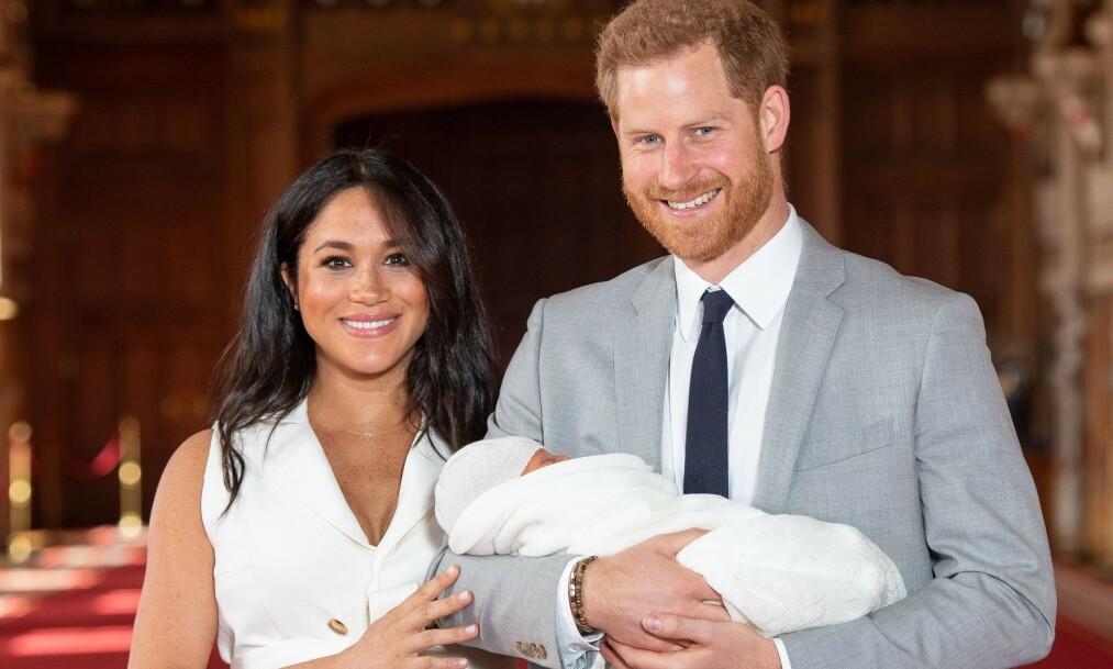 HOLDT PERSONLIG TALE: Prins Harry holdt nylig en emosjonell tale hvor han blant annet snakket om sønnen Archie og moren, avdøde prinsesse Diana, under et arrangement ledet av veldedighetsorganisasjonen Diana Award, som ble opprettet etter Dianas død i 1997. Foto: NTB scanpix