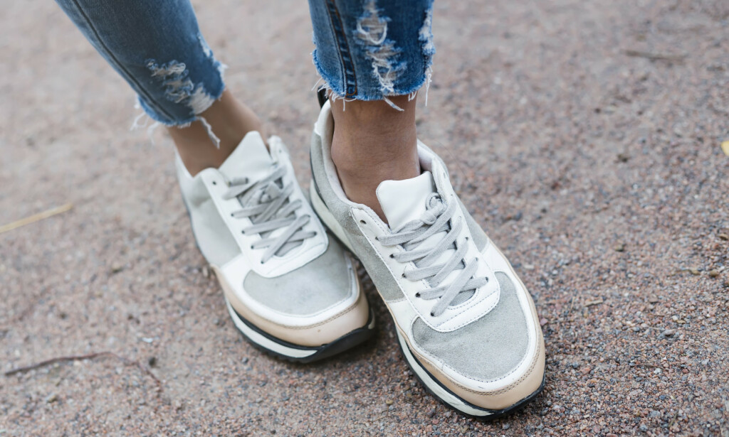 776d3f5e FOTSOPP: Svette føtter i varme sko øker sjansen for at fotsoppen blusser  opp. FOTO