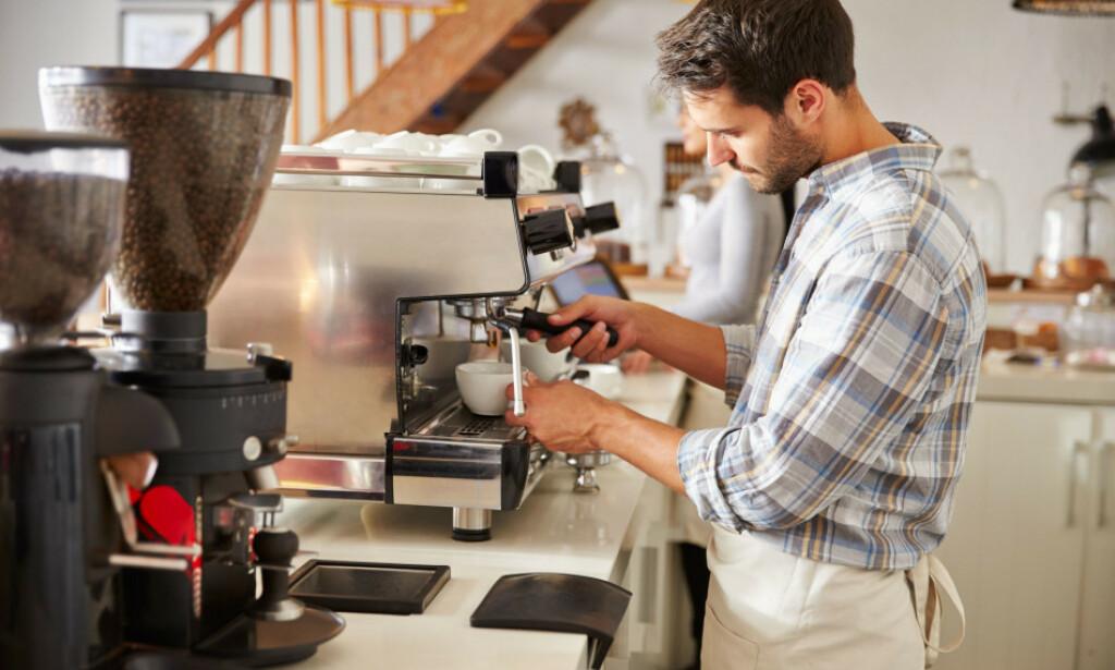 MINSTELØNN: Serveringsbransjen er et av yrkene som har innført minstelønn for ansatte. Foto: Shutterstock/NTB Scanpix