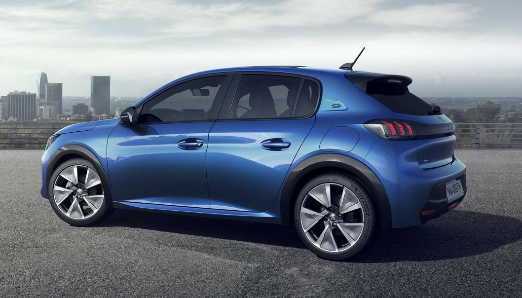 PRISET: Peugeot e-208 får priser fra 249.900 og opp til rett over 300.000, avhengig av utstyrsmodell. Foto: Peugeot