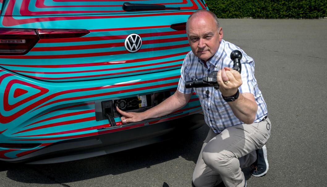 <strong>KROK:</strong> Ja, bilen kan leveres med krok, men kun for sykkelstativ og annet. Den er ikke beregnet som tilhengerfeste. Foto: Martin Meiners