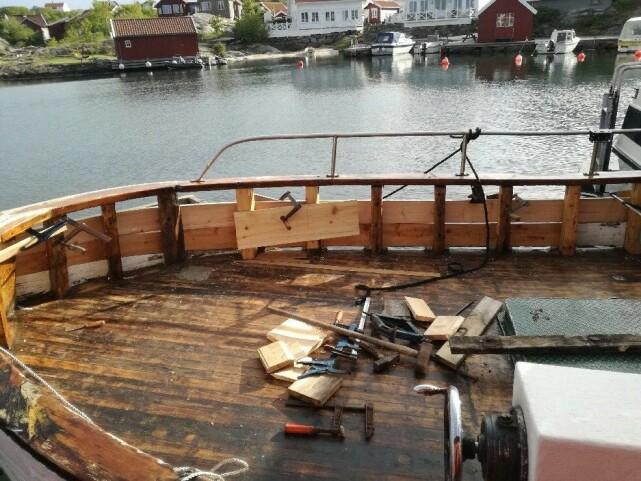 OPPUSSING: Oddvar har brukt mye tid på å få klar båten til sommeren. Foto: Privat
