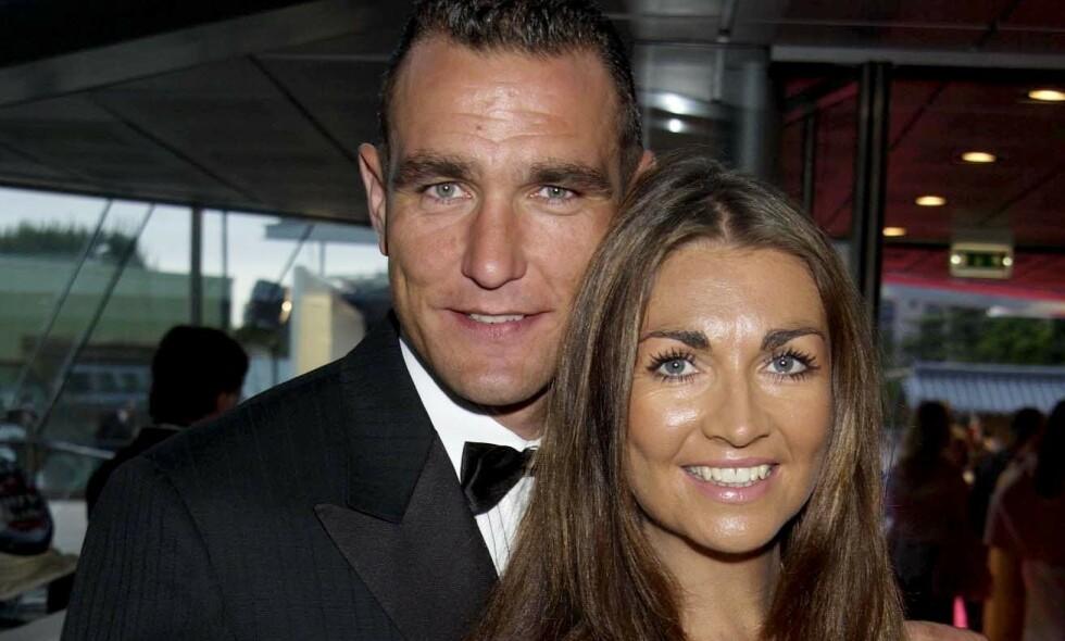 DØD: Tanya Jones, kona til den tidligere fotballspilleren og skuespilleren Vinnie Jones, er død. Her sammen i 2002. Foto: NTB Scanpix
