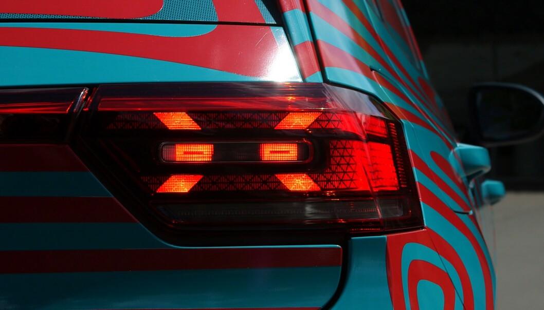 <strong>SIGNATUR:</strong> VW har lagt inn en liten signatur i formen på lyset. Foto: Martin Meiners