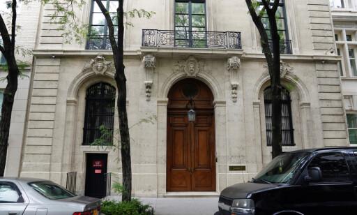 MANHATTANS STØRSTE: Jeffrey Epsteins bolig på 4 600 kvadratmeter og ni etasjer var tidligere jenteskole på Manhattan. Foto: Carlo Allegri / Reuters / NTB Scanpix
