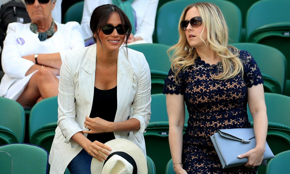 ENGASJERT: Hertuginne Meghan (37) fulgte engasjert med under Wimbledon forrige helg. Men nærværet henens har fått mange til å reagere. Foto: NTB Scanpix