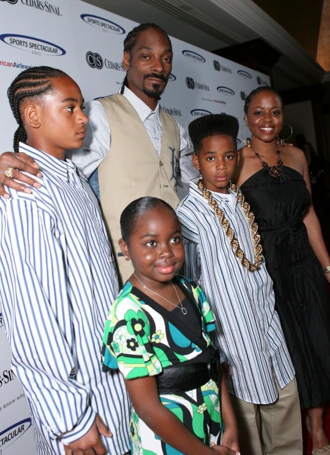 2007: Her er Snoop Dogg avbildet sammen med sønnene Corde og Cordell, datteren Cori og kona Shante. Foto: NTB Scanpix