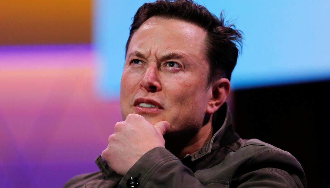 HELOMVENDING: Tesla-sjef Elon Musk skuffer Tesla-fansen som hadde håper på superrekkevidde.