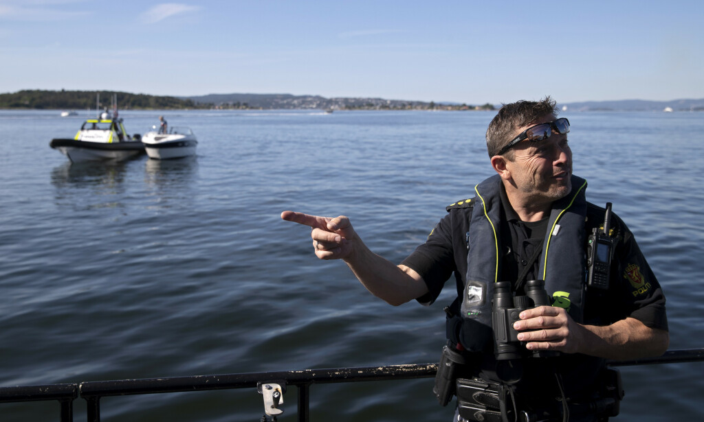 Politibetjent Øyvind Holm i sjøtjenesten i Oslo politidistrikt advarer mot å gamble med promillegrensen til sjøs. Foto: Ryan Kelly / NTB scanpix.