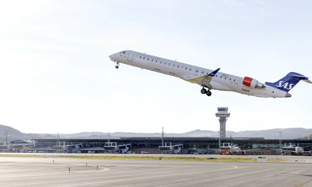 DRAMA: Et SAS-fly fikk problemer på vei fra Zakynthos onsdag kveld. Her letter et SAS-fly på Værnes. Foto: Gorm Kallestad / NTB scanpix