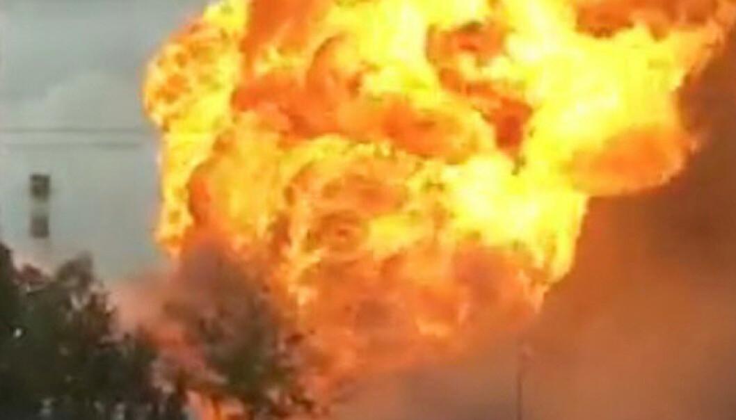 Kraftverk opp i flammer - minst én død