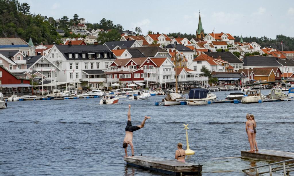 Det er all grunn til å nyte helgen, som her i Kragerø, for temperaturene daler fra og med søndag. Foto: Geir Olsen / NTB scanpix