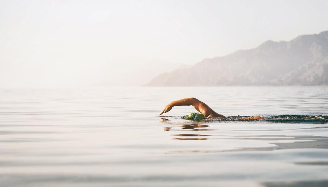 SVØMMING: Trening kan holde deg ung og frisk, og svømming skal visstnok være en svært god aktivitet ifølge amerikanske studier. FOTO: NTB Scanpix