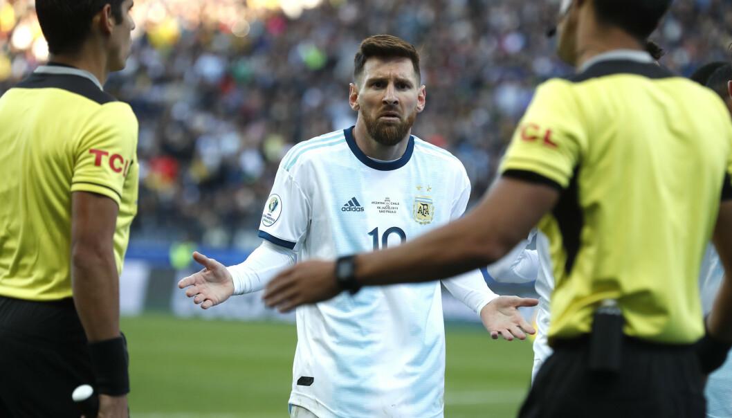 Argentinas superstjerne Lionel Messi har kommet med kraftige uttalelser om Copa America-dommerne og turneringsledelsen. Fotball: Victor R. Caivano / AP / NTB scanpix