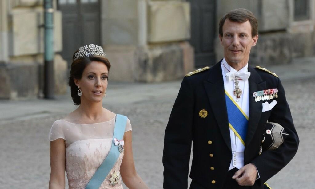 HAR FLYTTET: Prins Joachim og kona prinsesse Marie har flyttet ut av residensen deres som ligger utenfor København - med kurs mot Paris. Nå er det blitt kjent at villaen er leid ut til en kjent dansk baronesse.