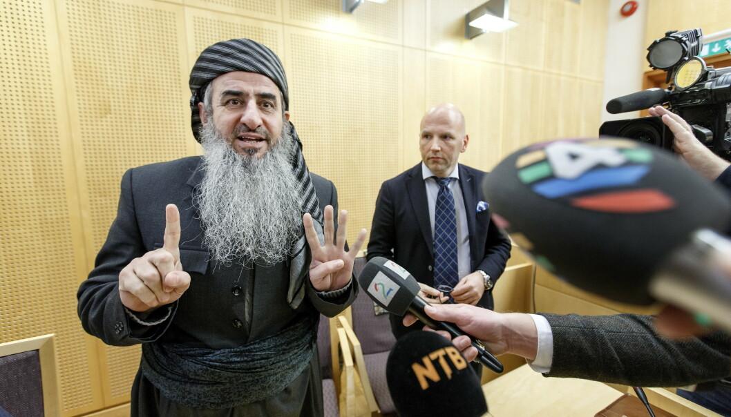 Mulla Krekar, eller Najumuddin Faraj Ahmad som han heter, har gått inn og ut av norske rettssaler og fengsler siden 2002. Her er han sammen med sin forsvarer, advokat Brynjar Meling. Arkivfoto: Gorm Kallestad / NTB scanpix