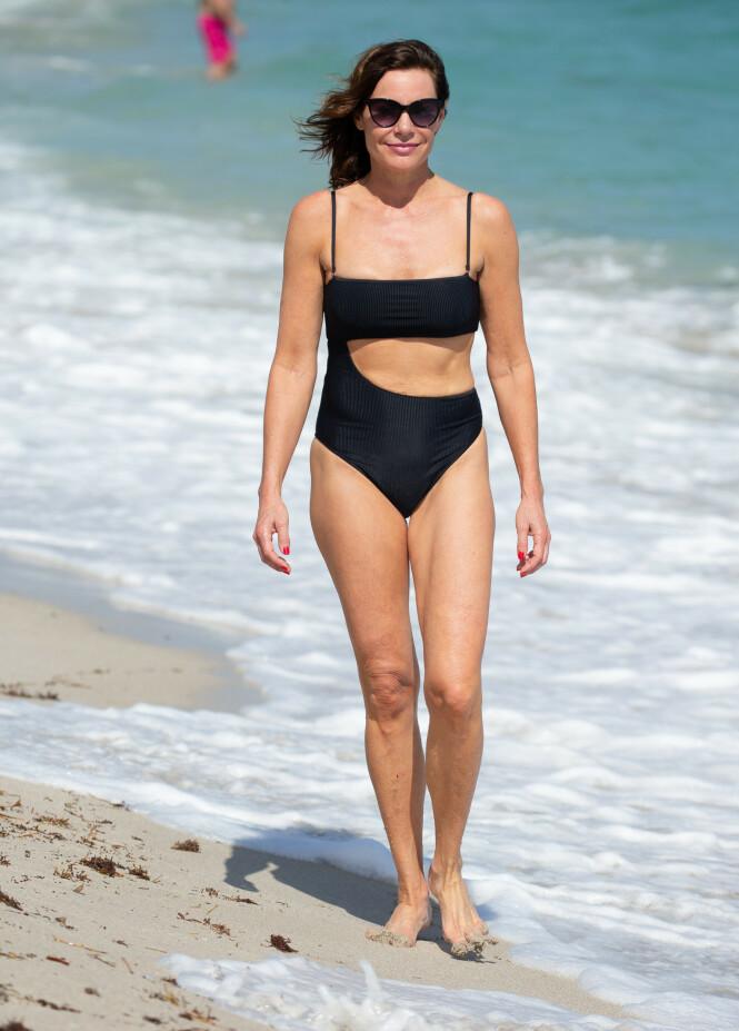 BIKINI + BADEDRAKT: Det åpne partiet på badedrakten gjør at den minner om en bikini. Foto: Scanpix