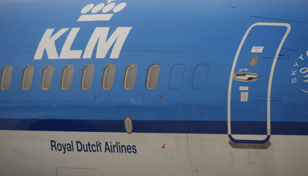 Det nederlandske flyselskapet KLM har fått kritikk etter at flyselskapets besetning på en flygning mellom San Francisco og Amsterdam skal ha bedt en kvinne om å dekke seg til da hun ammet. Foto: NTB scanpix / Bernard Jaubert