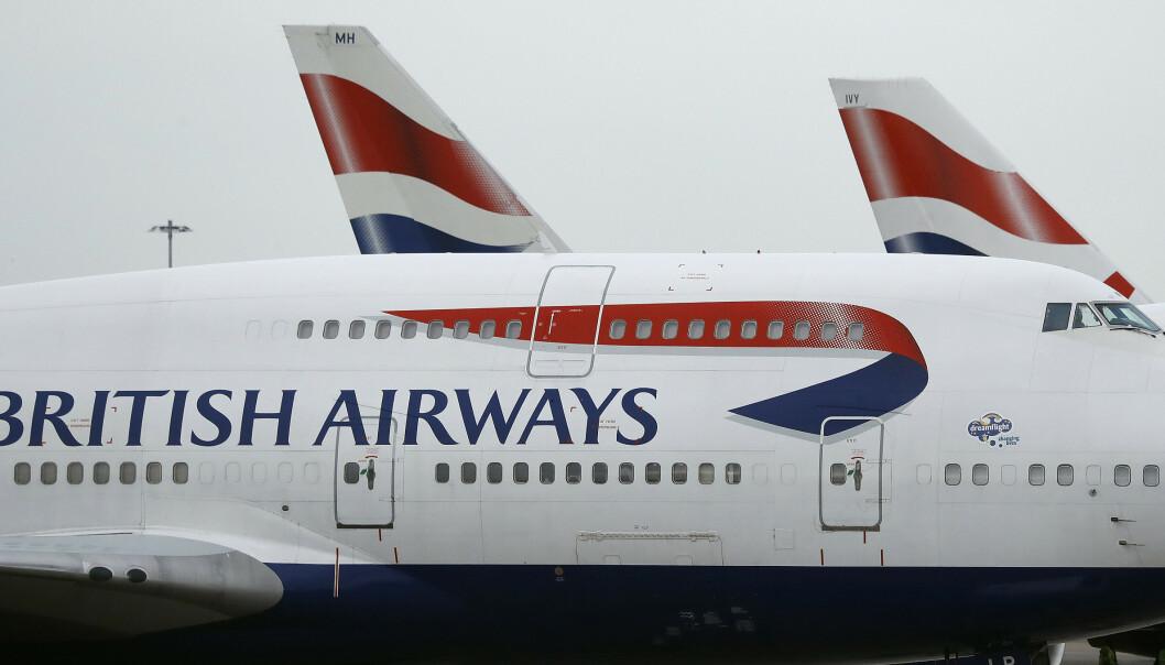 Fly fra British Airways fotografert på Heathrow Airport i London. Selskapet har stanset flygningene til Kairo i en uke av sikkerhetshensyn. Foto: Frank Augstein / AP / NTB scanpix