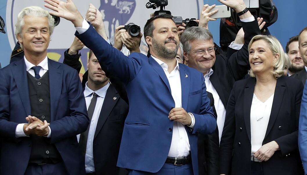 <strong>YTRE HØYRE:</strong> Disse utgjør den største faren for Europas konservative. Geert Wilders, lederen for Frihetspartiet i Nederland, Matteo Salvini, lederen for Lega i Italia, Jörg Meuthen, lederen for Alternativ for Tyskland, og Marine Le Pen, lederen for Nasjonal Samling i Frankrike. De var samlet i Milano i Italia 18. mai av Salvini før valget til Europaparlamentet. Foto: Luca Bruno / AP / NTB Scanpix