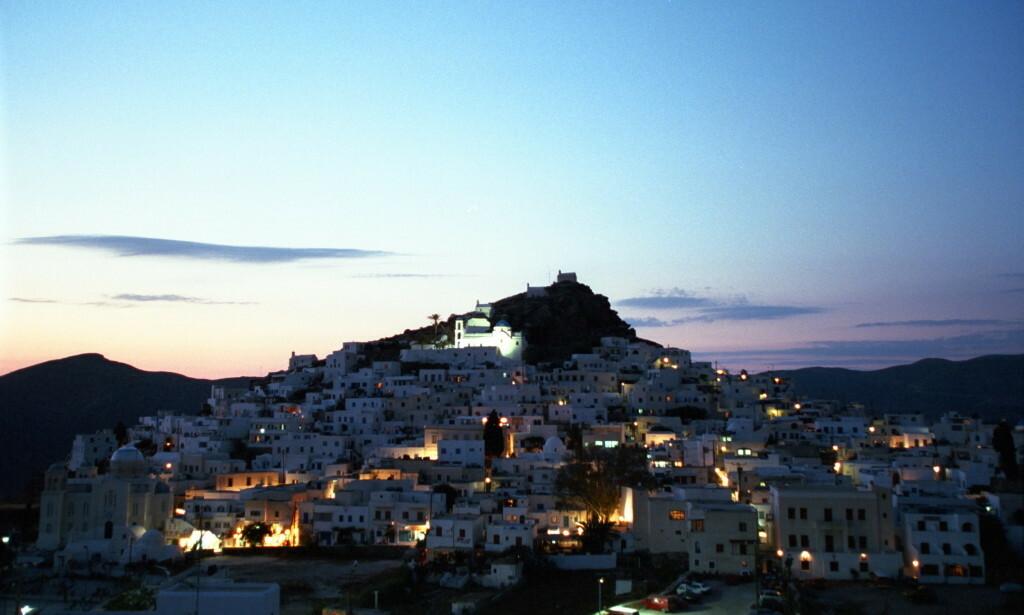 VOLDSHENDELSE PÅ IOS: Den fornærmede skal ha blitt stukket i halsen med en knust glassflaske på den greske øya Ios. Foto: Geir Bølstad
