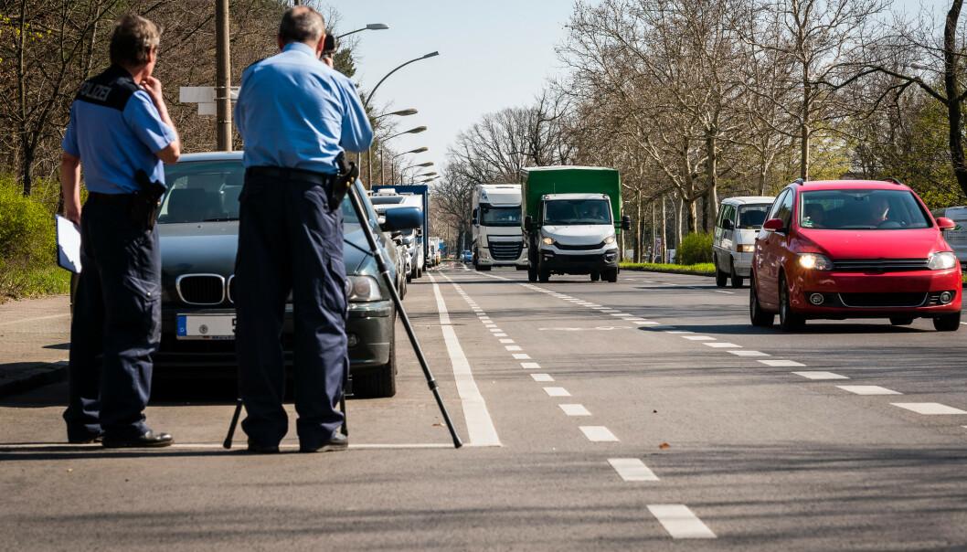 <strong>FARTSBOT I UTLANDET:</strong> Det er mange som er lystne på bilferie i Europa. Men vet du hvor mye du må betale for ei fartsbot i Tyskland? Foto: Shutterstock