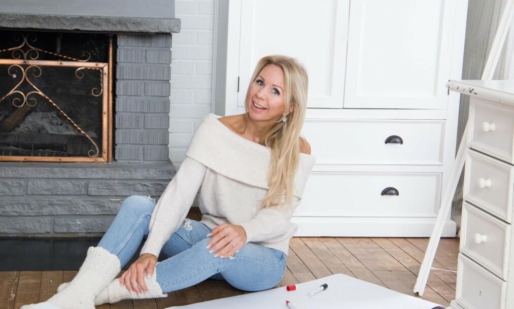 NYSLÅTT HUSEIER: Den tidligere bloggeren Anne Brith Davidsen flytter snart inn i nykjøpt hus i Sørumsand sammen med barna sine. Foto: Privat