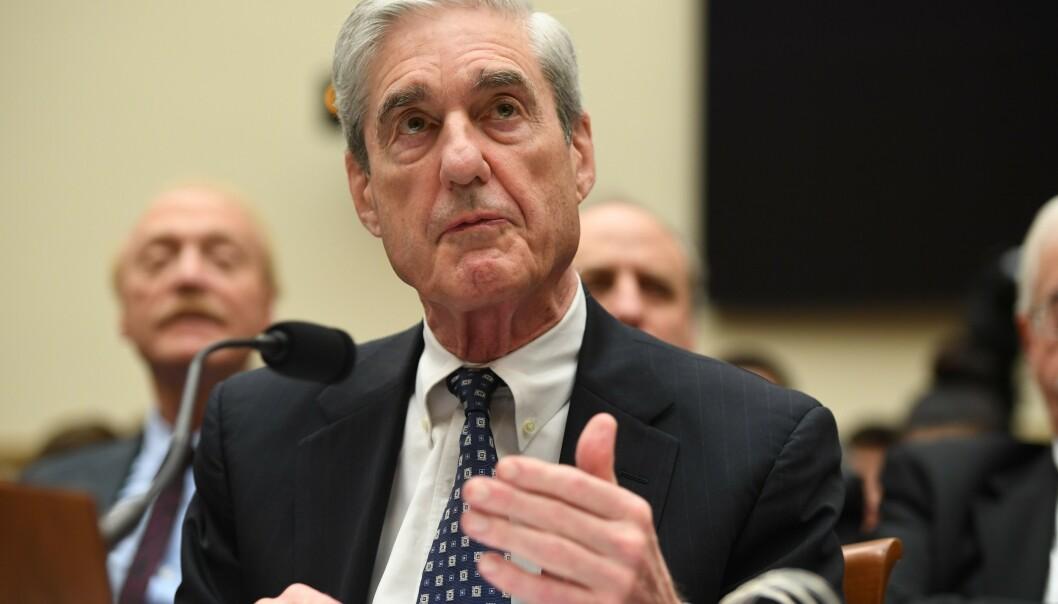 MARATONHØRING: I nesten syv timer forklarte den tidligere spesialetterforskeren Robert Mueller seg for Kongressen. Han gjentok at rapporten ikke er en renvaskelse av presidenten. FOTO: SAUL LOEB / AFP / NTB Scanpix