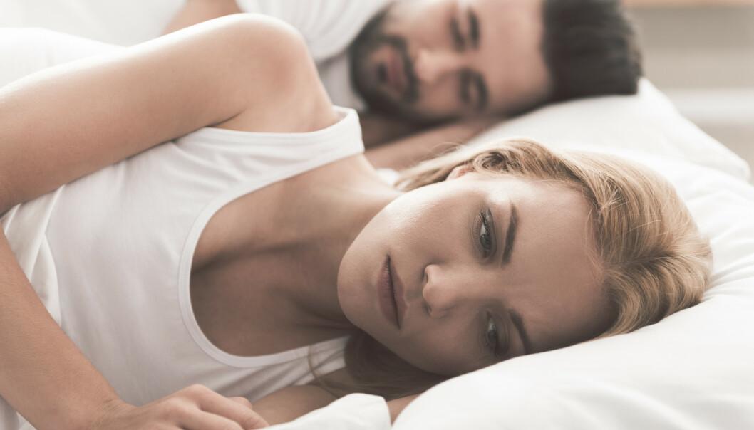 SØVNLØS: Noen opplever vanskeligheter med søvnen, men symptomene varierer. FOTO: NTB Scanpix