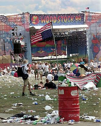 DÅRLIG LOGISTIKK: Mye søppel og dårlige toalettfasiliteter preget festivalen. Foto: Stephen Chernin/AP/NTB scanpix