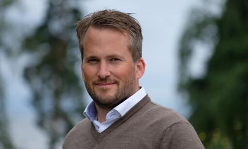SLAG OG STØT: Branningeniøren Anders Rørvik Ellingbø mener slag og støt på batteriet kan ha stor påvirkning på batteriet. Foto: If Skadeforsikring